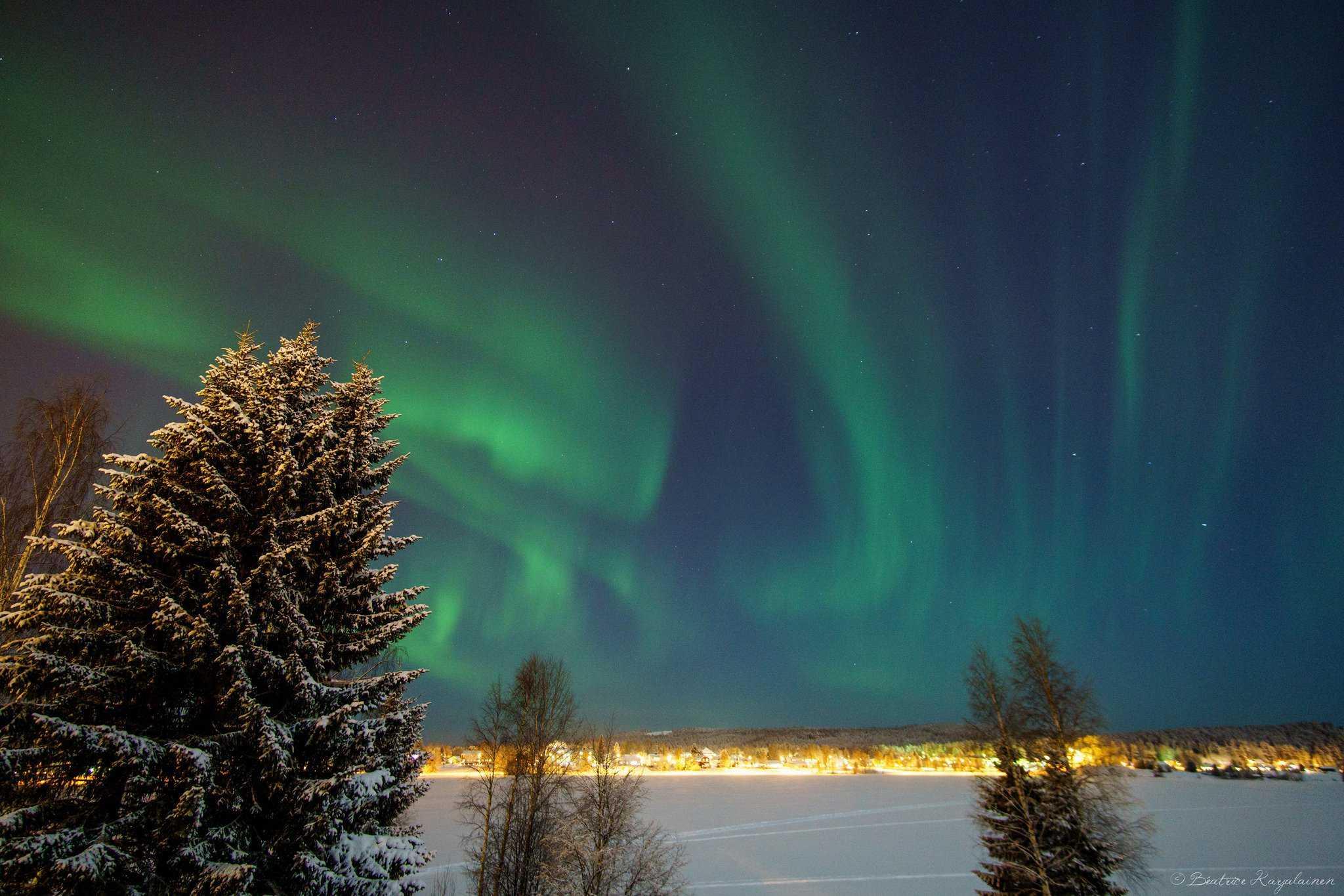 Northern Lights in Sweden in Winter - Photo by Béatrice Karjalainen via Flickr