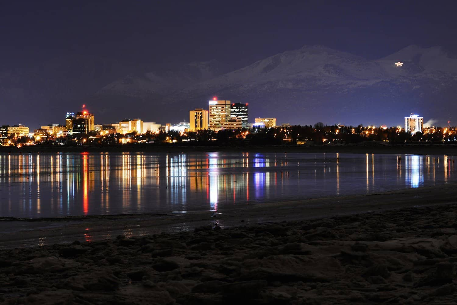 Stargazing in Anchorage - Paxson Woelber via Flickr