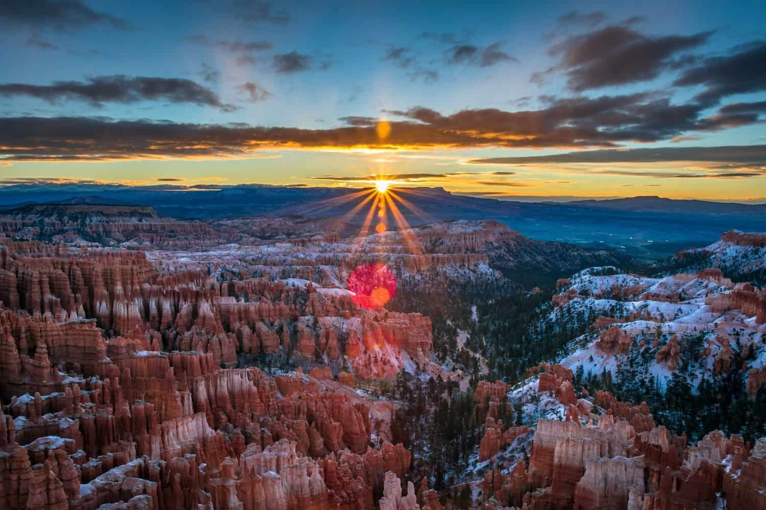 Bryce Canyon National Park Stargazing - Inspiration Point at Sunset
