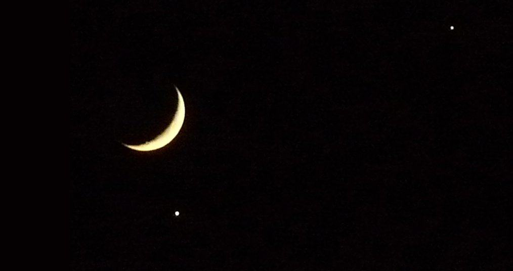 Night Sky in February - Moon, Venus & Jupiter - Xavi via Flickr
