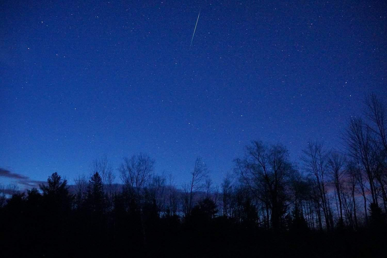 Night Sky in May - Eta Aquariid - Mike Lewinski via Flickr