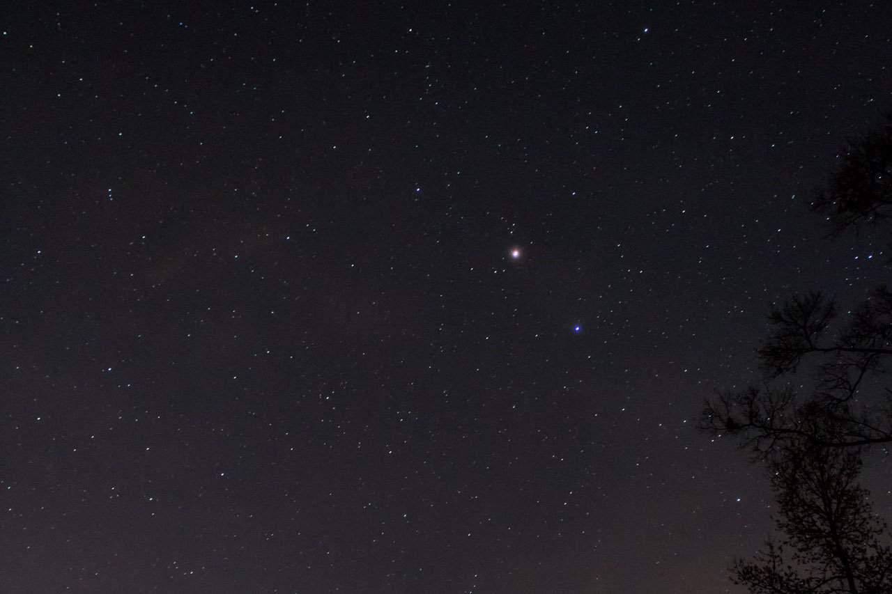 Night Sky - Mars, Saturn, Ceres - Neal Simpson via Flickr