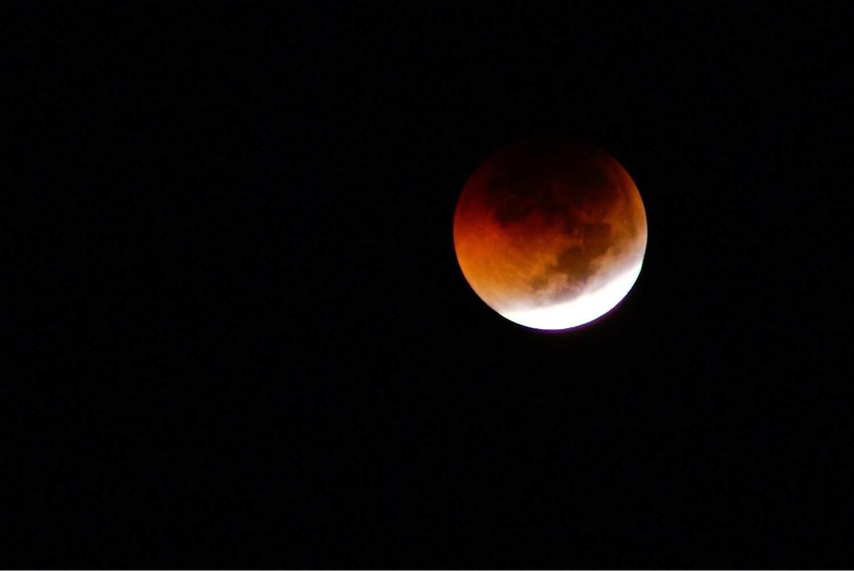 Partial Lunar Eclipse - Farhan Perdana (Blek) via Flickr