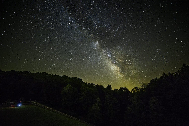 Stargazing in Columbus - Aaron Shirk via Flickr