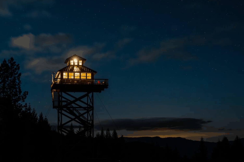 Best Stargazing Airbnbs Hero - Summit Prairie Fire Tower