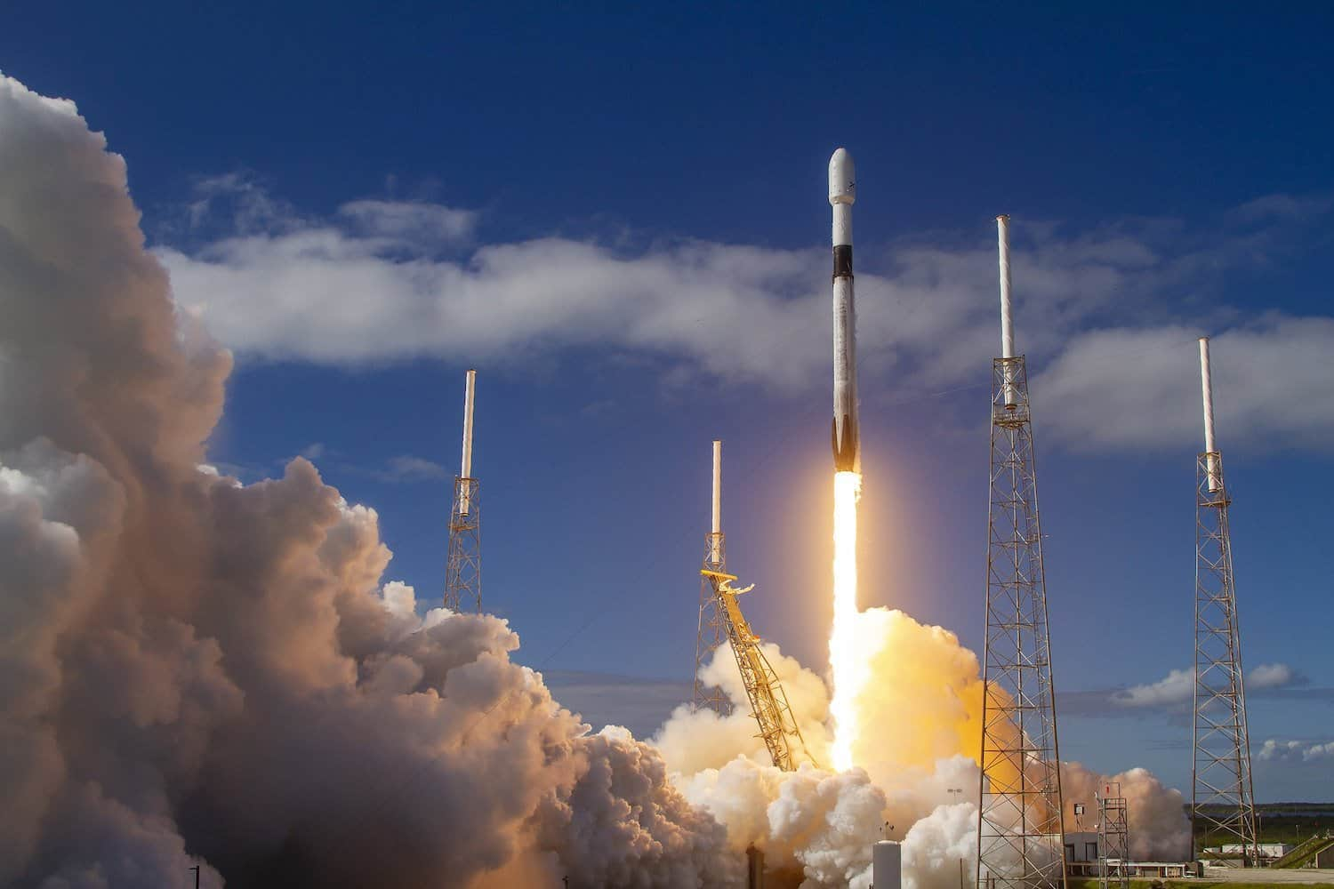 SpaceX Space Tourism Company - Falcon 9 Launch