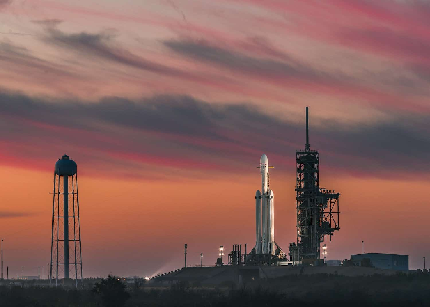 SpaceX Space Tourism Company - Falcon Heavy