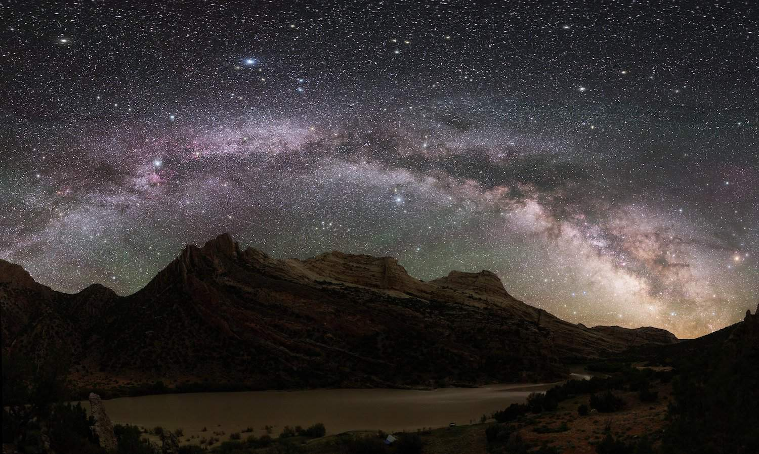 Stargazing in Colorado - Dinosaur National Monument - Dan Duriscoe for NPS