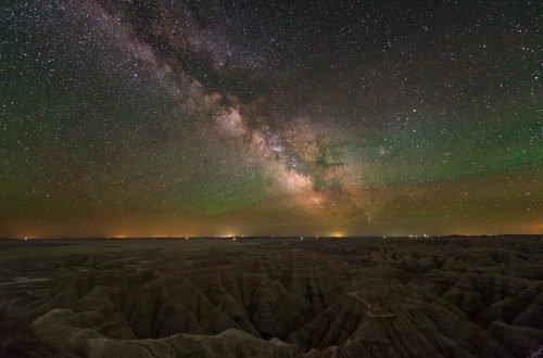 Stargazing in Badlands Hero - tsaiproject via Flickr